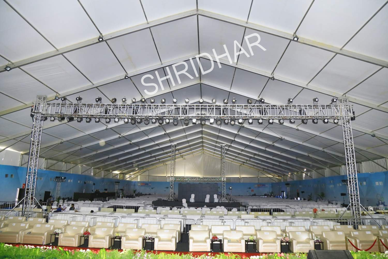 mega hangers and lighting for rent for conferences in bangalore shridhar tent house